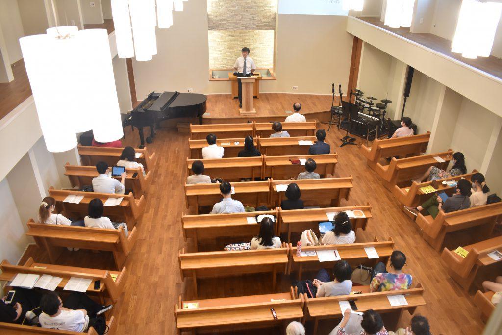 新会堂礼拝風景